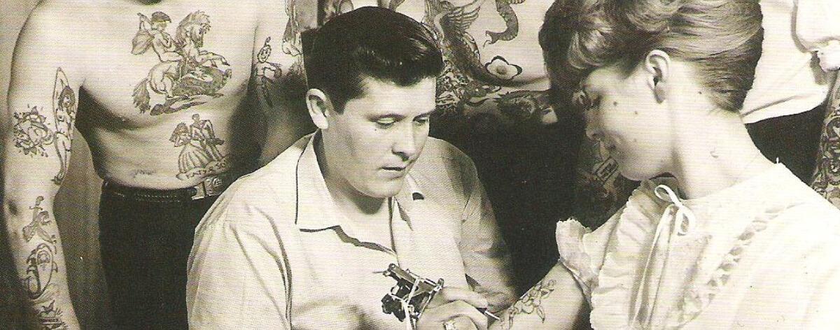 Tatuajes y su prohibición por tres décadas
