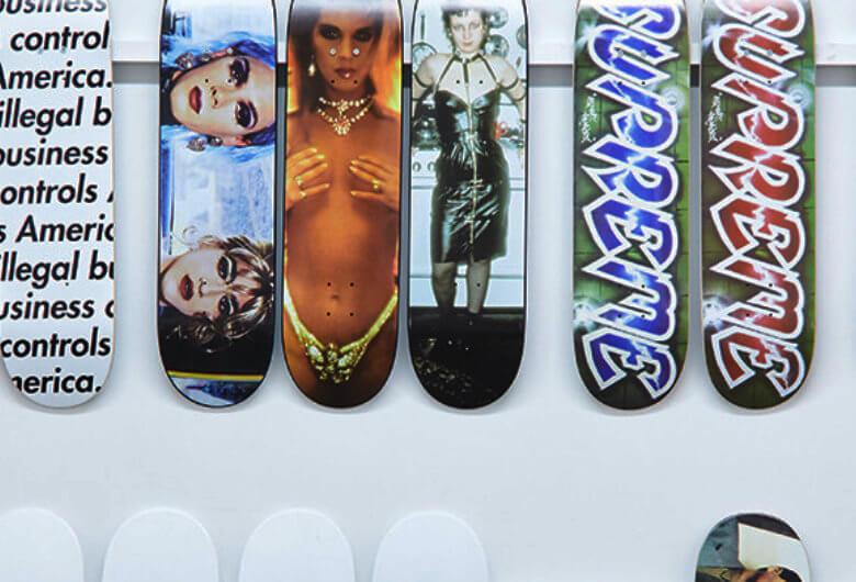 Exposición Inferno de Supreme - skateboards de las últimas dos décadas